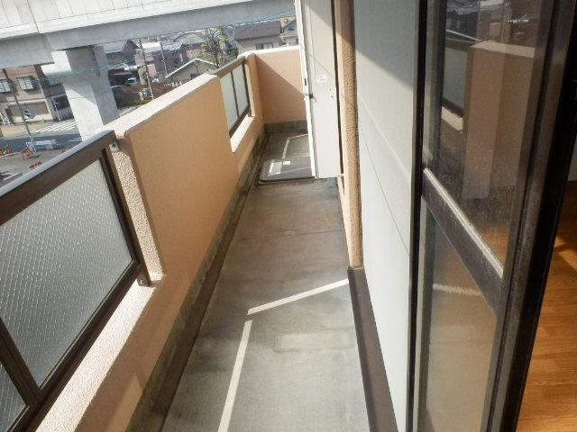 ツインプラザA 302号室のバルコニー