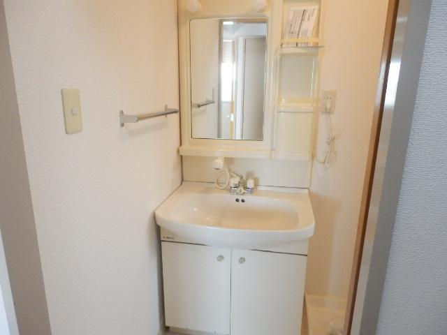 ツインプラザA 302号室の洗面所