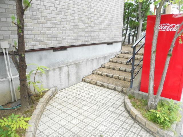 COMODO藤城C 02020号室のエントランス