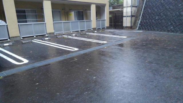 レジダンス・カトレヤ 02030号室の駐車場