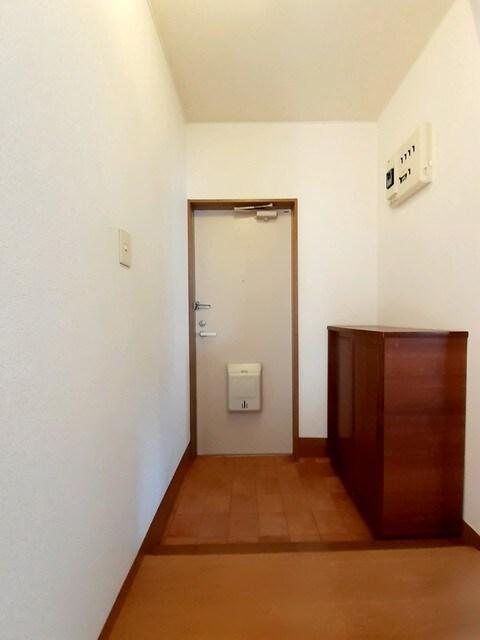 サンシティー75Ⅱ 01040号室の玄関