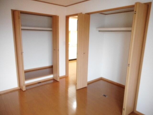 ジュネスⅡ 02040号室の収納
