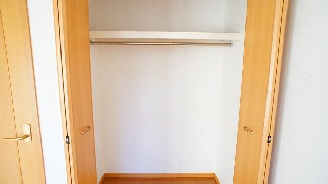 グリーンパークヒルズB 02030号室の収納