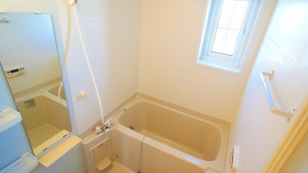 サイネリアA 02010号室の風呂