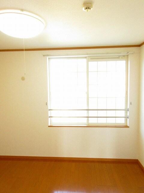 ルーナ・ピエーナ 02030号室のリビング