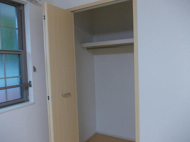 ブルージュ 02010号室の玄関