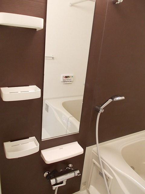 ララシャンス 02040号室の風呂