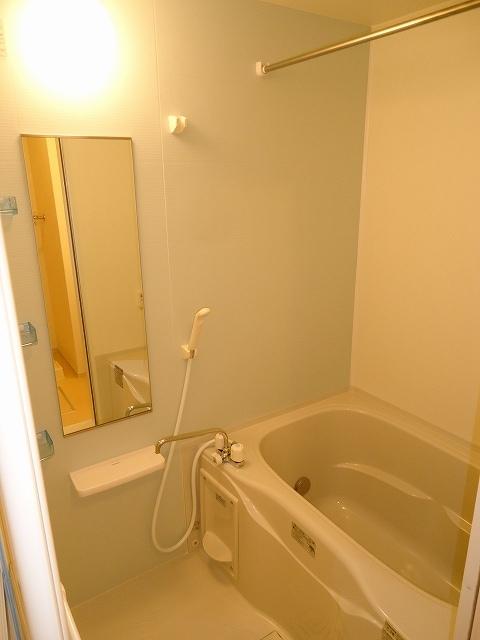 ルミエ-ルⅠ 02040号室の風呂