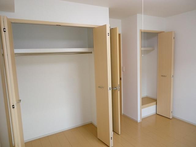 ルミエ-ルⅠ 02040号室の収納