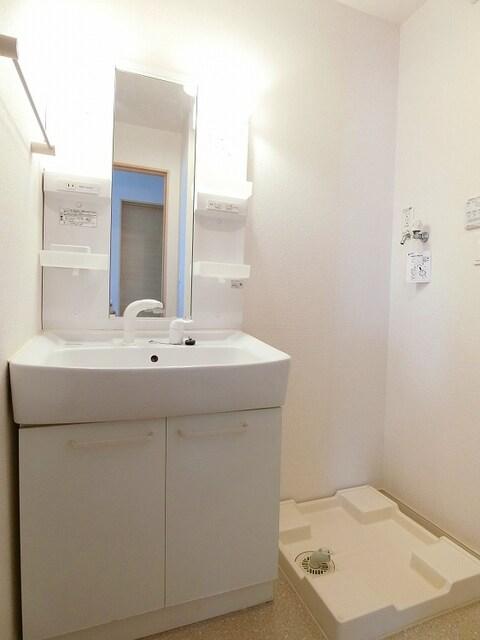 ピア・ドール・間々 Ⅰ 01050号室の洗面所