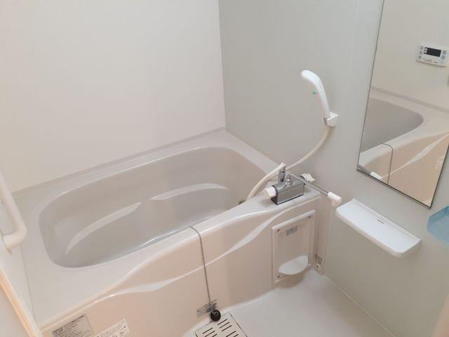 リュミエール 01050号室の風呂