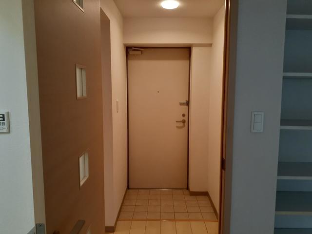 リュミエール 01050号室の玄関
