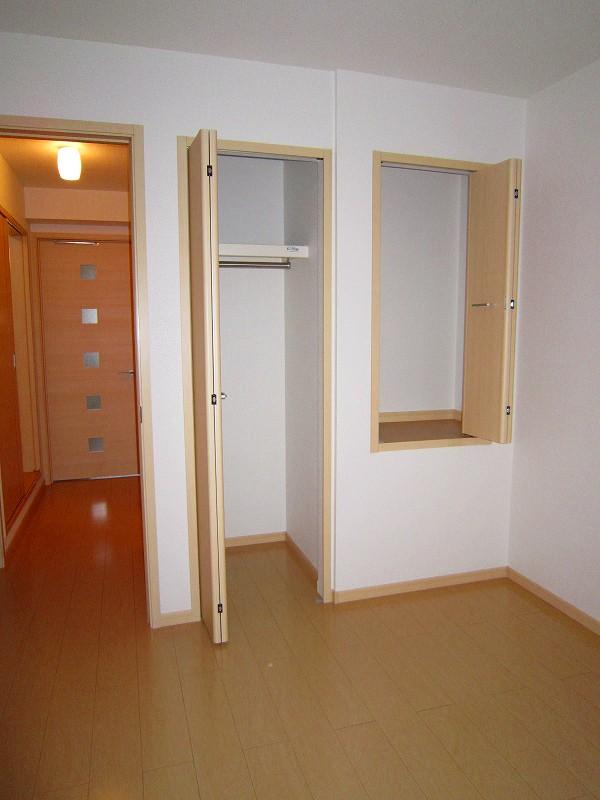 アプローズ 02010号室の玄関