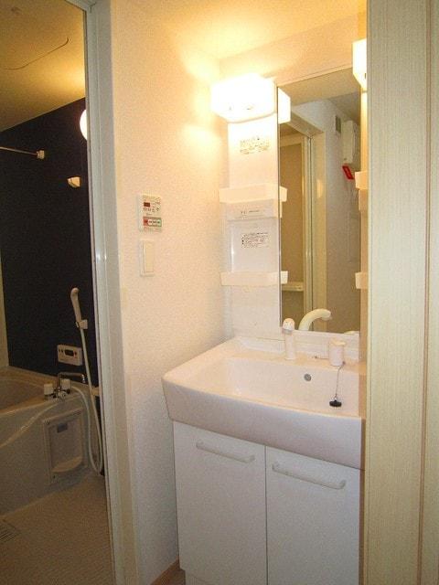 アプローズ 02010号室の洗面所