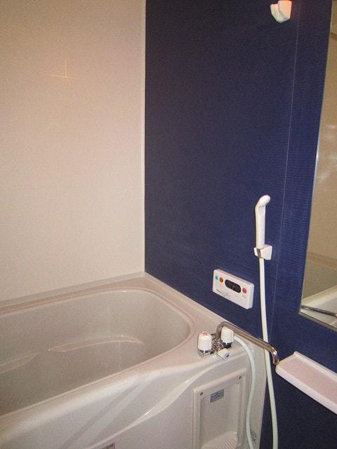 アプローズ 02010号室の風呂