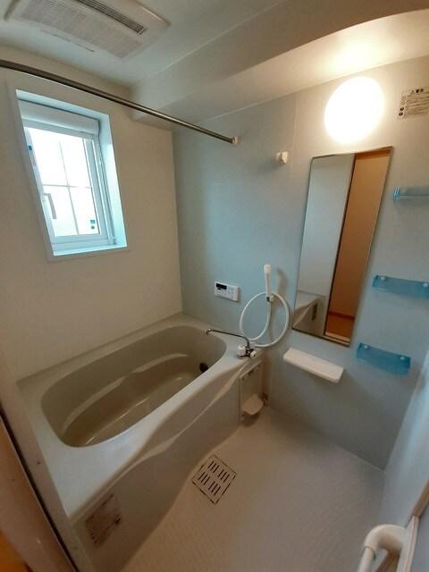 グラース・ジェルメ B棟 01020号室の風呂