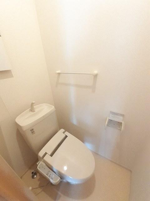 ヴィラ ソレイユ 01030号室のトイレ