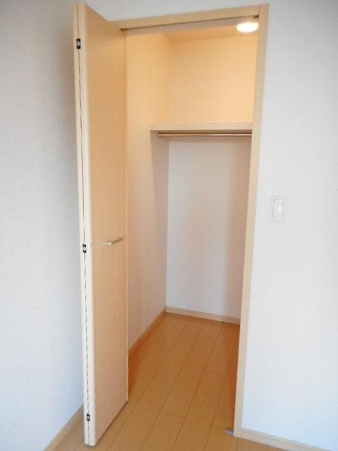 オネスト 01010号室の収納