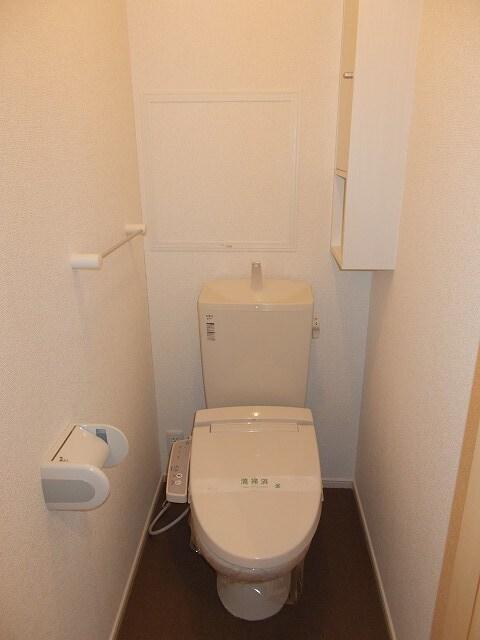 グリーンフォレストC 02010号室のリビング