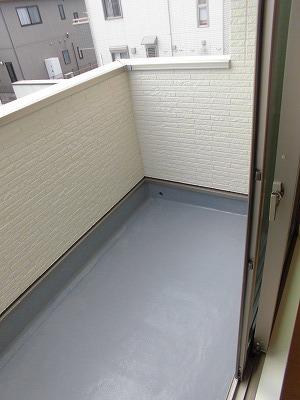 ペルマネンテB 02010号室のバルコニー