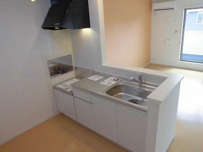 ペルマネンテB 02010号室のキッチン