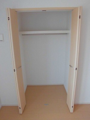 ペルマネンテB 02010号室の収納