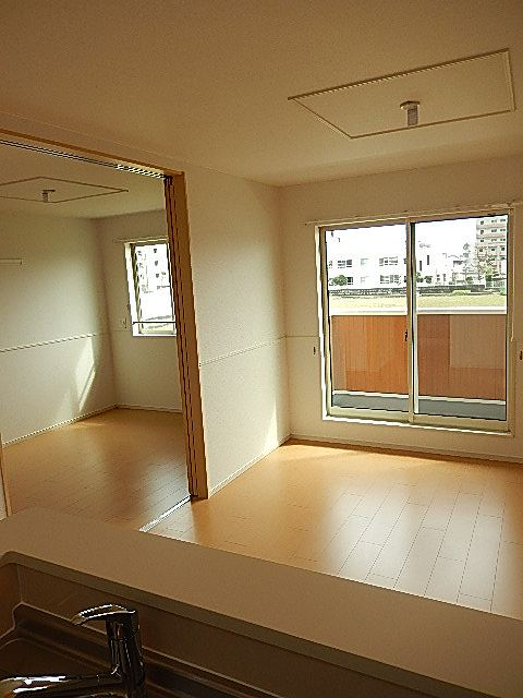 Porte Regalo Ⅳ 02020号室のバルコニー