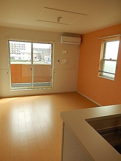 Porte Regalo Ⅳ 02020号室のリビング