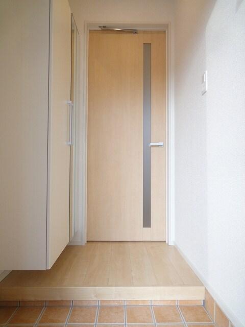 サザンクロス 01050号室の玄関