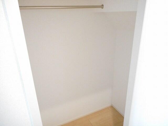 サニーテラス 01020号室の収納