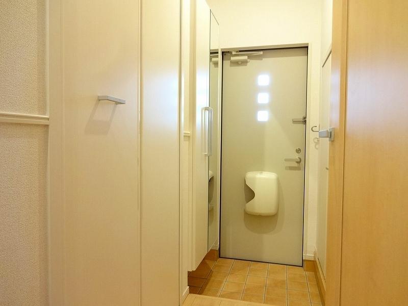 サニーテラス 01020号室の玄関