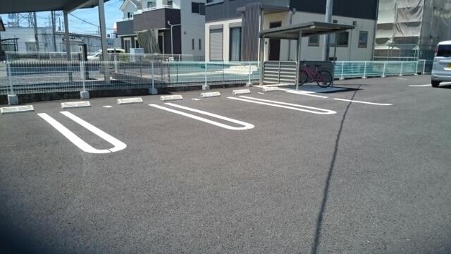 サンフェリーチェB 03020号室の駐車場