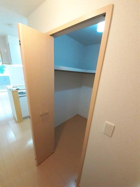ボン・シャンス 01030号室の洗面所