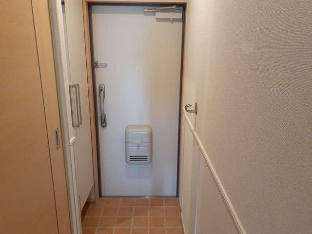 ディアコート積み木 02040号室の玄関