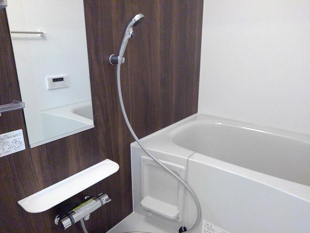 Casa Sereno 室町 03050号室の風呂