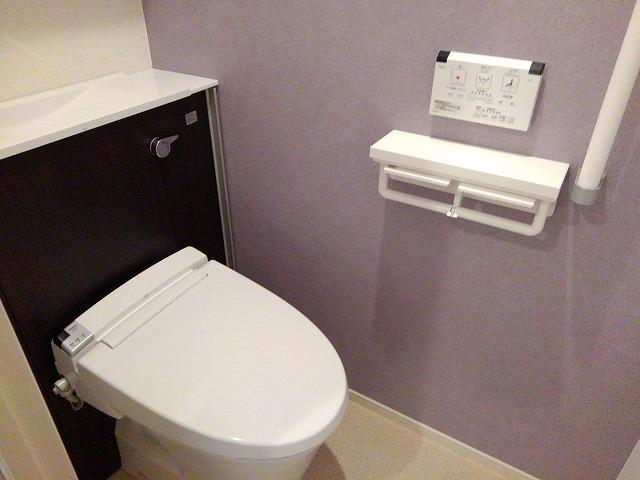 Casa Sereno 室町 03050号室のトイレ