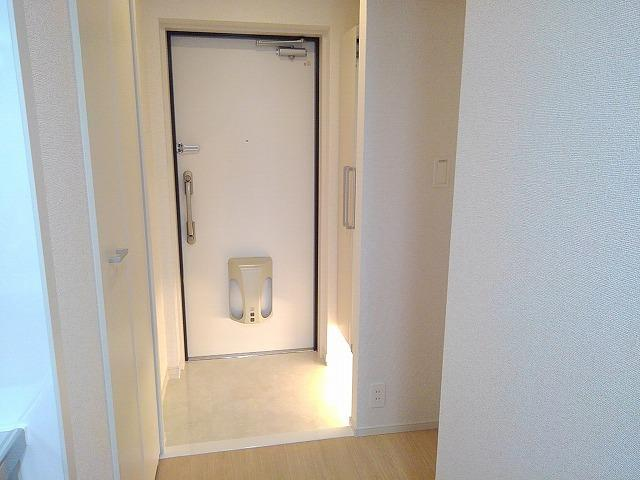 Casa Sereno 室町 03050号室の玄関