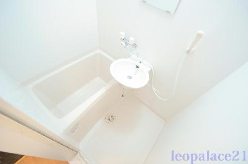 レオパレスジェントリー 103号室の風呂