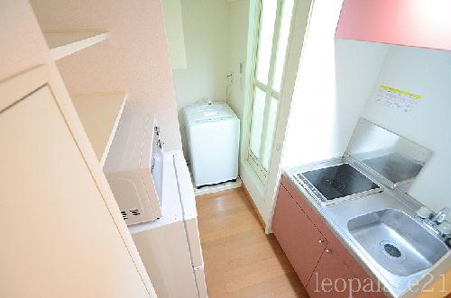 レオパレスパークコンフォール21 106号室のキッチン