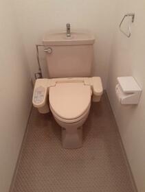 キャトルレーブ 202号室のトイレ