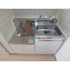ハセベ椿森コーポ 201号室のキッチン