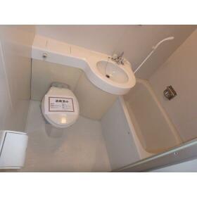 ハセベ椿森コーポ 201号室のトイレ