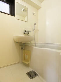 ダイナコート六本松2 802号室の風呂
