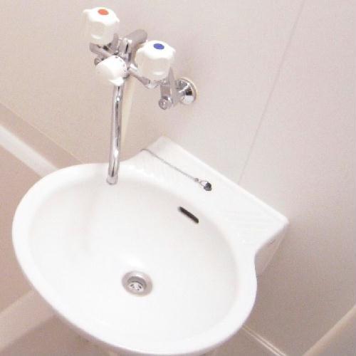 レオパレスサンライズ はしかべ 101号室の洗面所