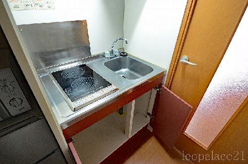 レオパレスサンライズ はしかべ 203号室のキッチン