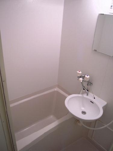 レオパレスサンライズ はしかべ 206号室の風呂