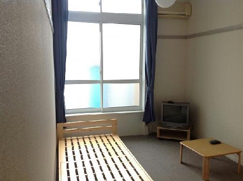 レオパレスボヌール 202号室のリビング