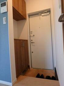 カルム(新築そっくりさん) 202号室の収納