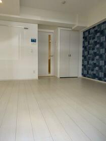 ハーモニーレジデンス東京イーストガーデン 201号室のリビング