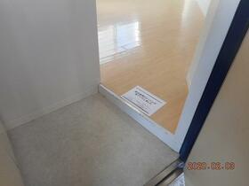 ソリッドリファイン矢向 301号室の玄関